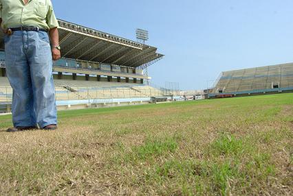 La terminación del estadio Jocay seguirá esperando