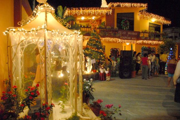 Casas iluminadas y pecebres en Portoviejo: Fotos/ Ulbio Peñarrieta ...