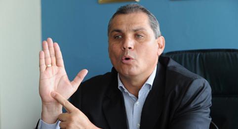 Fabricio Correa propone pedir ayuda a Colombia