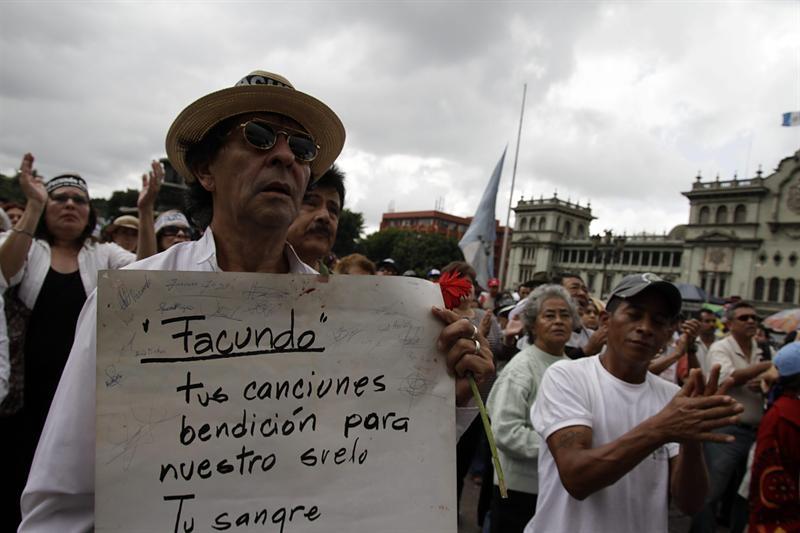 Familia de Cabral no viajará a Guatemala por estar 'muy dolida'