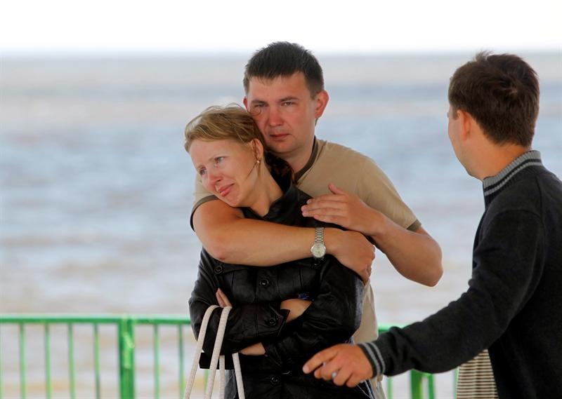 Recuperan decenas de cadáveres del barco en el Volga