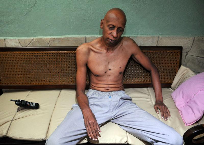 Fariñas abandona huelga de hambre