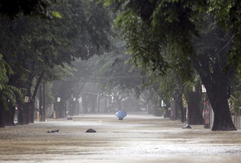 16 muertos tras inundaciones