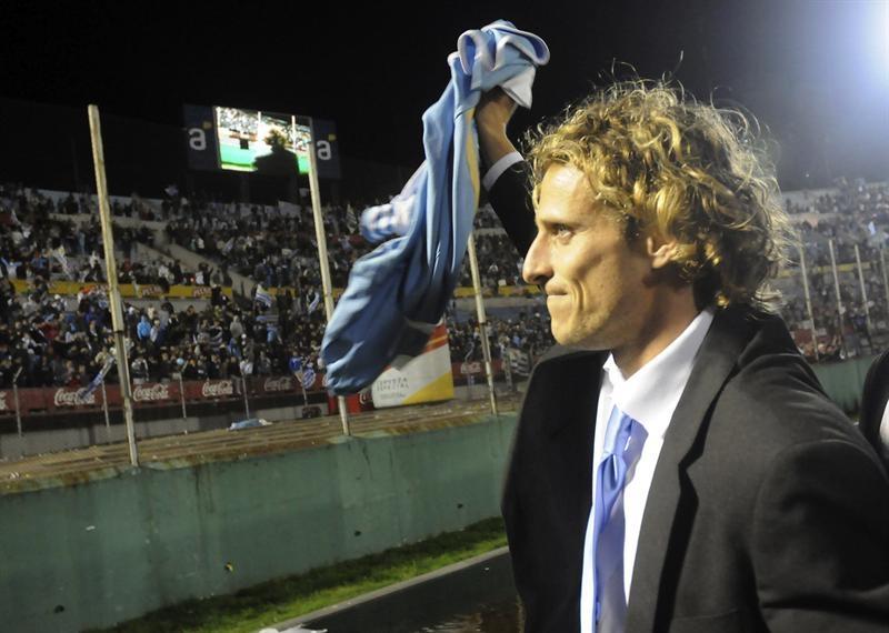 El 'Rey de reyes' logró una victoria 'monumental', según la prensa uruguaya