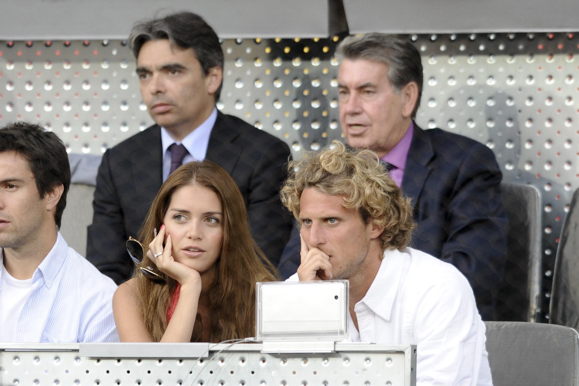 """Zaira Nara dice que su ex pareja Diego Forlán """"es muy hombre"""""""