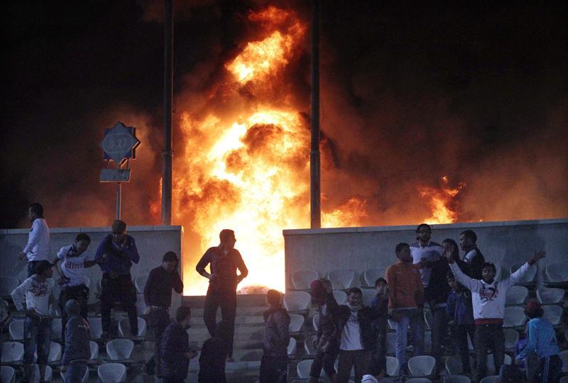 La mayor tragedia del fútbol egipcio deja 74 muertos