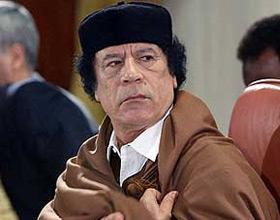 Gadafi dispuesto a dejar el poder a cambio de garantías, según diario ruso
