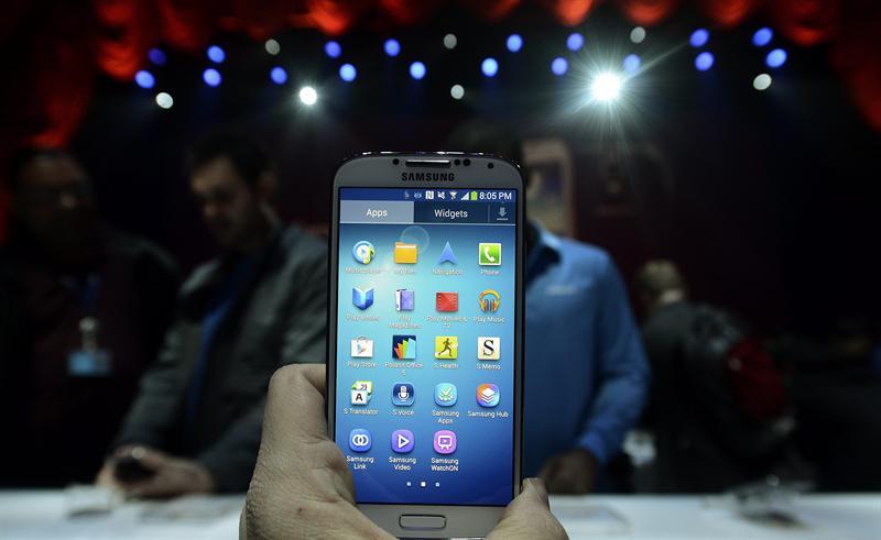 El Samsung Galaxy 4 se maneja hasta con la mirada