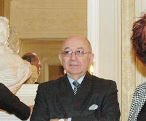 Embajador ecuatoriano Luis Gallegos recibe reconocimiento en Washington