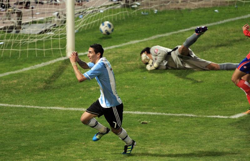 Argentina golea 3-0 a Costa Rica con goles de Agüero y Di María