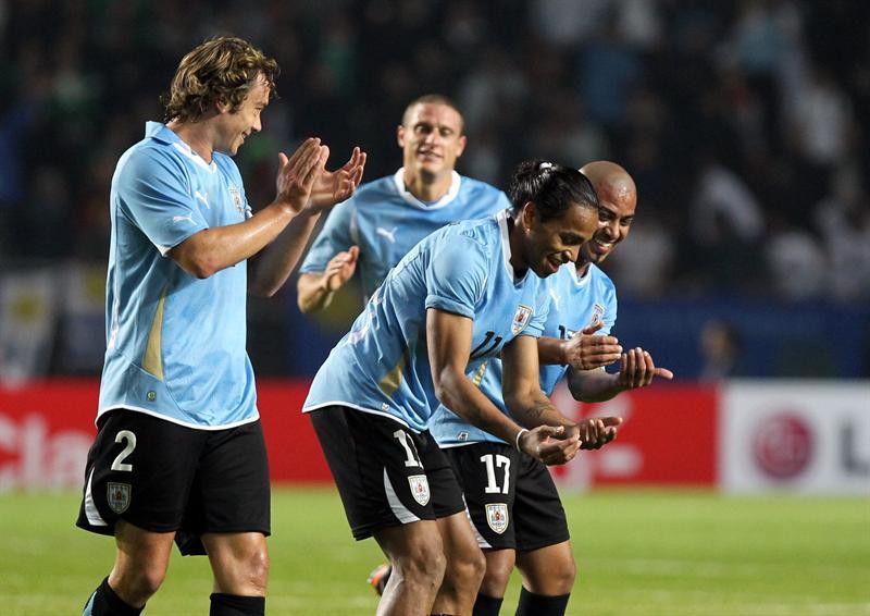 1-0. Uruguay manda y espera a Argentina en cuartos