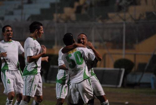 Finalizó elpartido y Liga de Portoviejo gana 2 - 0 al Grecia de Chone