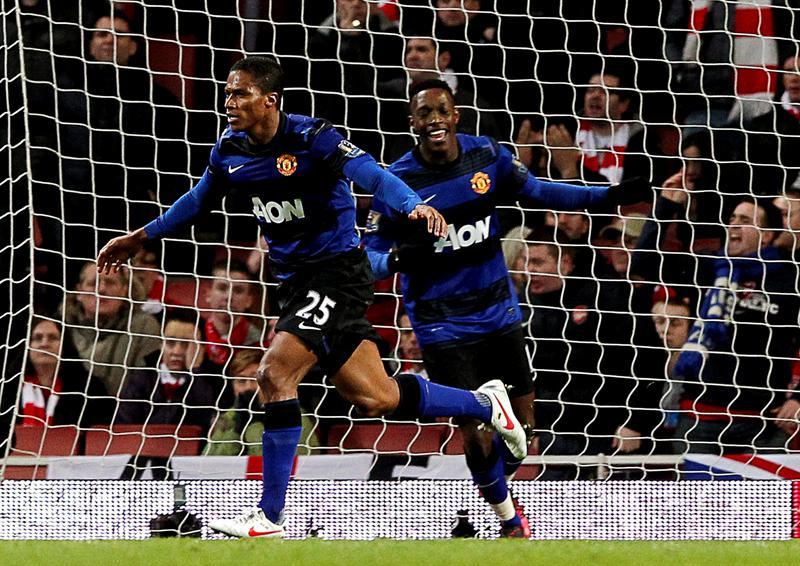 El Manchester United, con Antonio Valencia, da una muestra de autoridad ante el Arsenal
