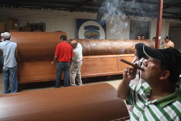 El puro más grande del mundo, hecho en Honduras