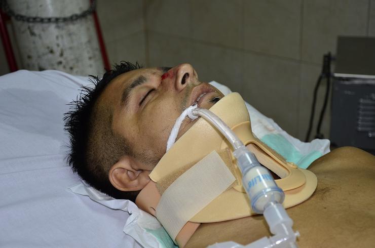 Hombre no identificado está grave en el hospital