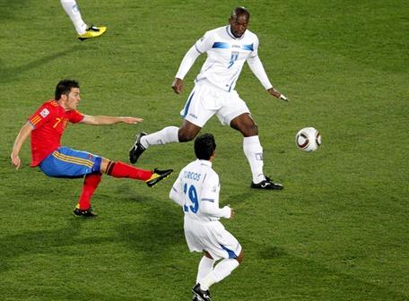 España se reivindicó con un 2-0 ante Honduras