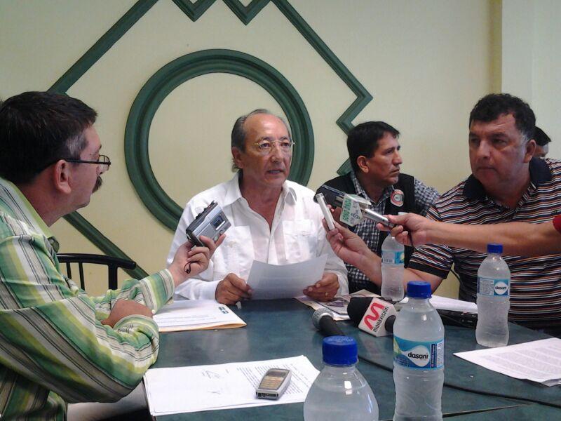 Andrade denuncia parentesco entre funcionarios y bandas delictivas