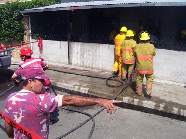Una casa se incendió en la ciudadela Los Mangos
