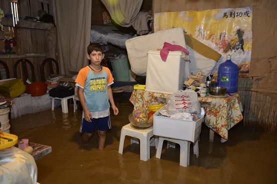 Inundaciones y derrumbes causan problemas en Manabí