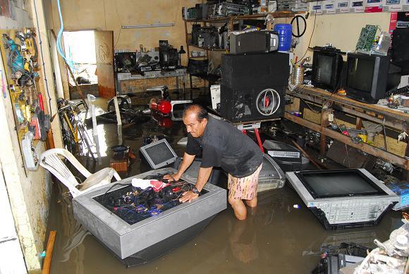 Diez casas quedan anegadas debido a las lluvias