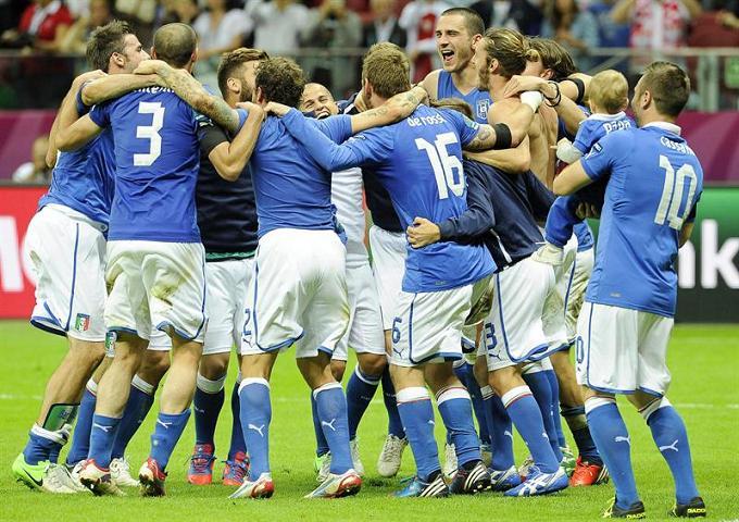 Italia celebra su pase a la final de la Eurocopa