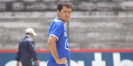Perrone no acepta que Kaviedes vaya al Manta FC