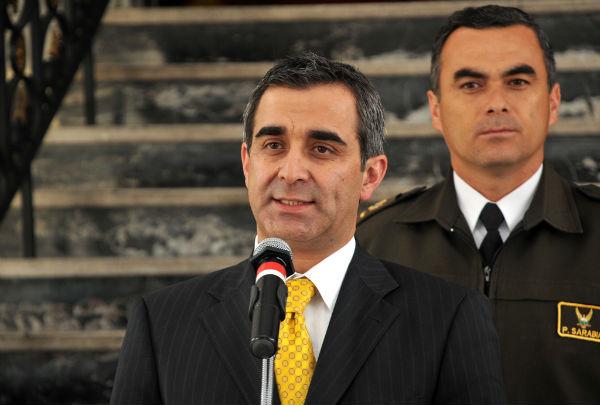 Gustavo jalkh renuncia al ministerio del interior el for Ministerio del interior ecuador