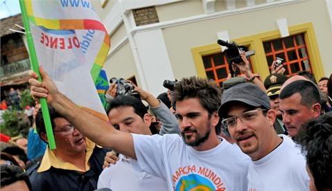 Juanes y Velasco juntos por la paz