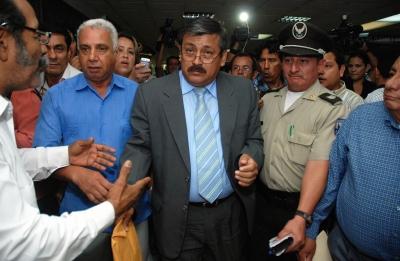 El Universo rechaza sentencia contra directivos y  Palacio