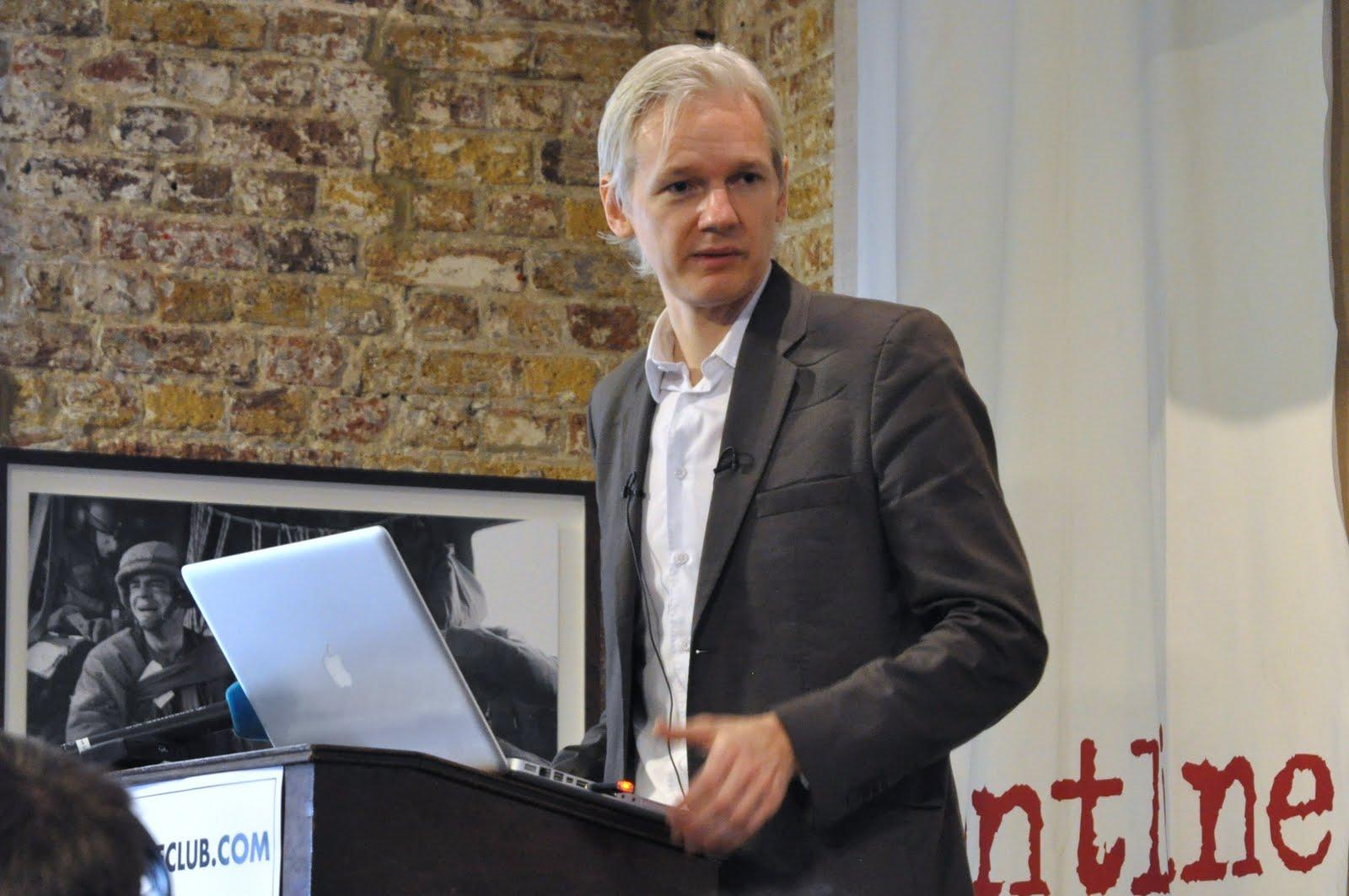 Assange desconoce cargos de EE.UU