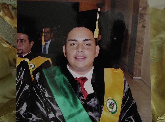 Familiares y amigos despiden a Julio Sabando Córdova