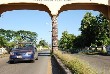 Correa: se ampliará carretera Guayaquil-La Cadena