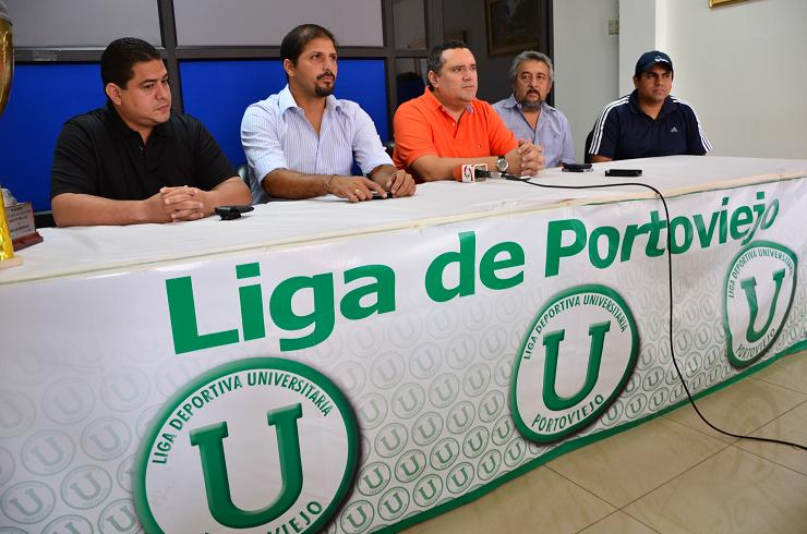 Carlos Hidalgo es el nuevo DT de Liga de Portoviejo