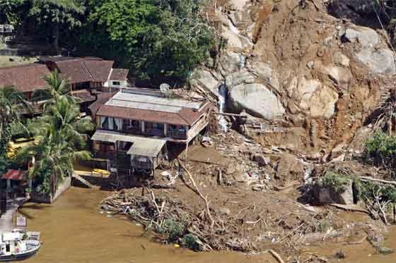A 511 asciende el número de víctimas por las lluvias