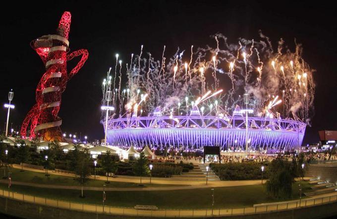 La llama de Londres se apaga con un fénix de luces