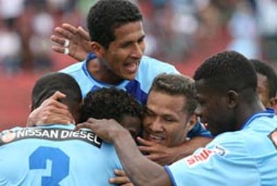 Macará golea a Liga de Portoviejo 3-0 en Ambato