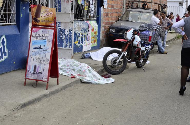 Un colombiano y un adolescentes son asesinados en Manta