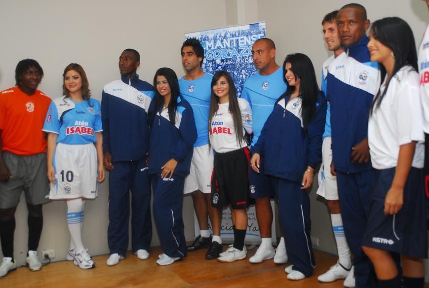 Mante FC presenta plantel y su nueva indumentaria