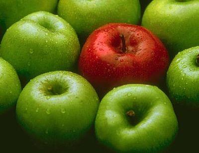 Comer dos manzanas diarias baja el colesterol