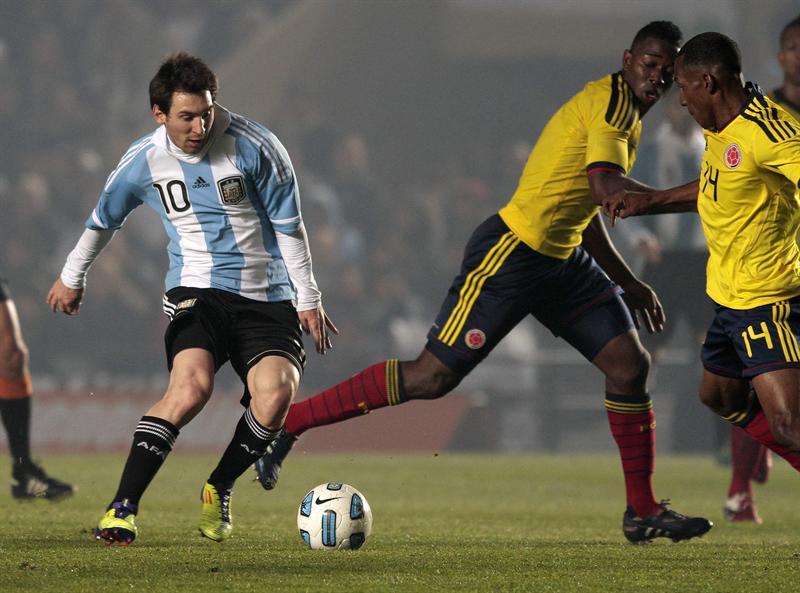 Argentina decepciona y resigna puntos ante Colombia