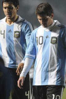 Burdisso le dijo 'pendejo' a Messi tras el empate