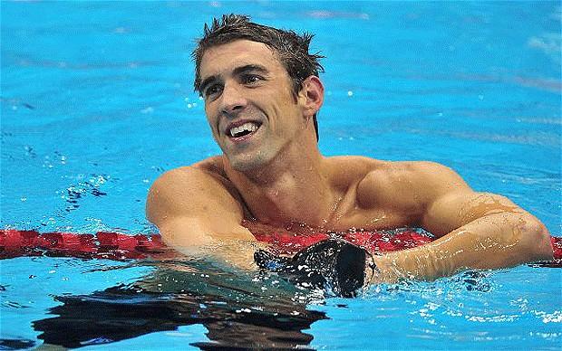 Phelps dice que todo el mundo orina en la piscina