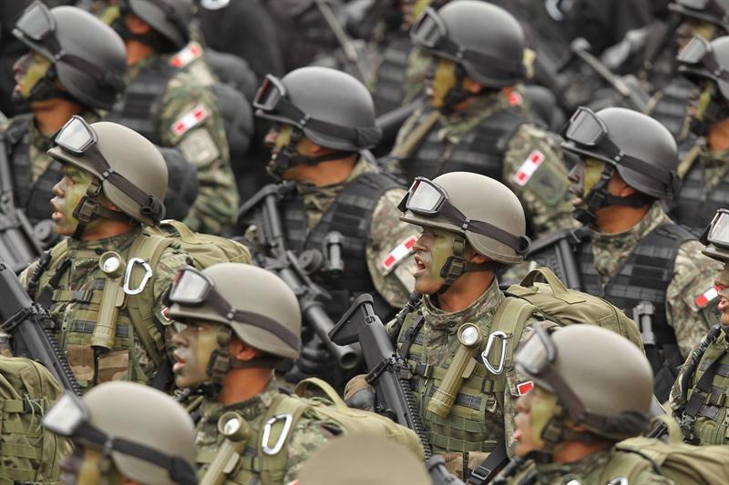 Altos mandos militares y policiales expresaron lealtad a Humala