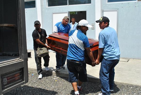 Comerciante es hallado muerto en el barrio Costa Azul