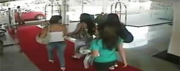 Presentan video de meretrices que visitaron a seleccionados