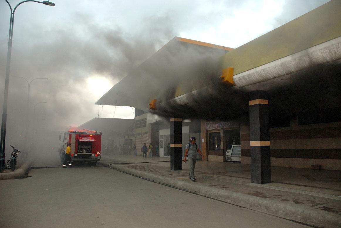 Incendio causa alarma en la Terminal Terrestre