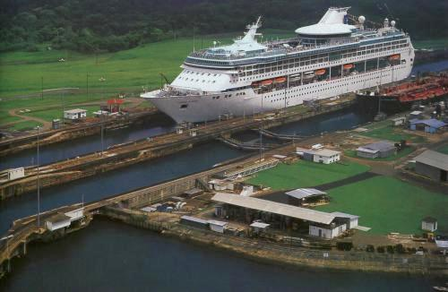 Buques pagarán más en Canal de Panamá pese a oposición de Ecuador