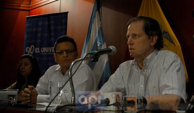 Pacheco denuncia 'amenazas' judiciales por parte de El Universo
