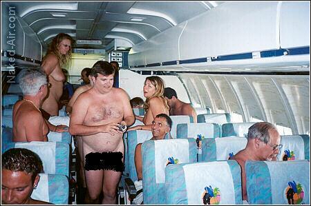 Avión realiza vuelo a Cancún con sus pasajeros desnudos