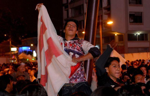 Los campeones albos llegaron a Quito para festejar con sus hinchas